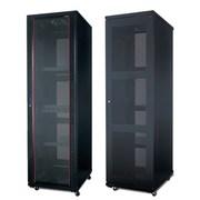 Продам серверный шкаф